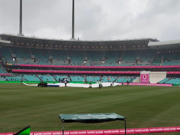 Ind vs Aus, 3rd Test: Siraj dismisses Warner, rain curtails first session