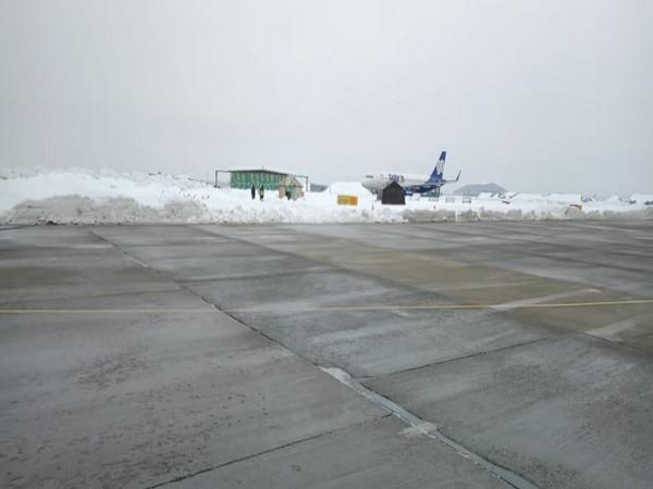 Flight operations resume at Srinagar International Airport after 4 days