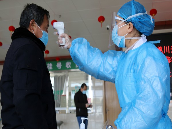 UPDATE 1-China's Hubei reports 1,933 new cases of coronavirus on Feb 16