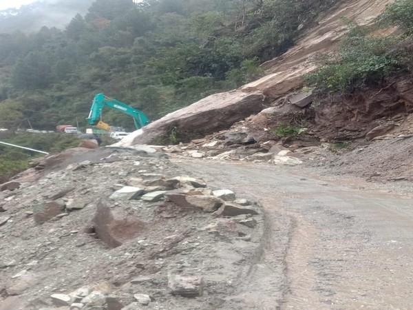 Landslide damages car, houses on Badrinath National Highway