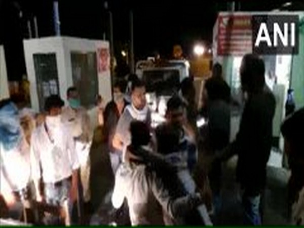 Clash breaks out between lawyers, toll plaza employees in Jabalpur