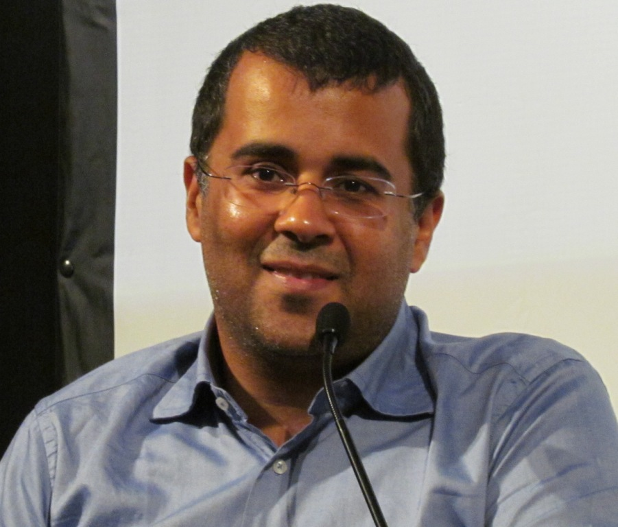 Chetan Bhagat to deliver motivational talk in Patna on July 14