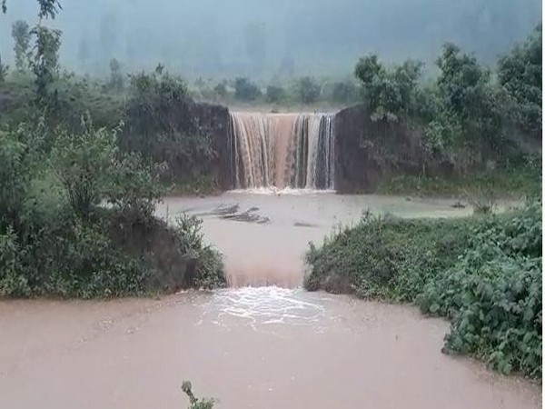 AP: Incessant rains create problem for residents of Paderu agency area in Visakhapatnam