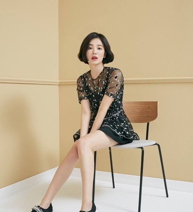 Song Hye-Kyo's lead character in 'Now, We Are Breaking Up' is a designer at fashion label
