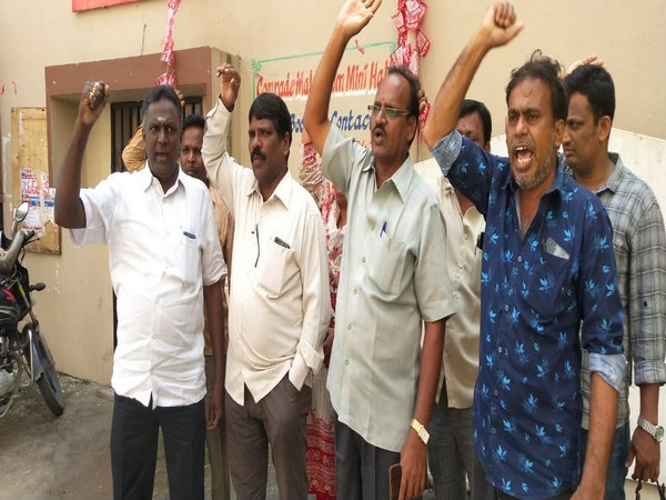 Telangana: Workers' union, BJP condemn KCR's decision to sack about 50,000 protesting TSRTC employees