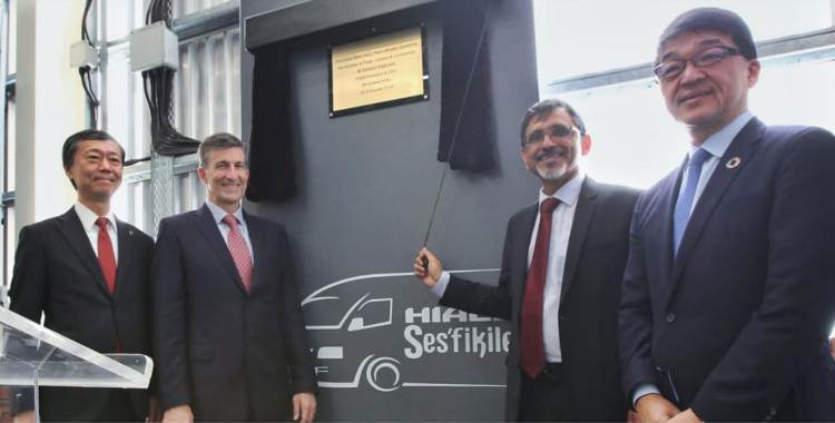 Ebrahim Patel launches R500m taxi manufacturing plant in KZN