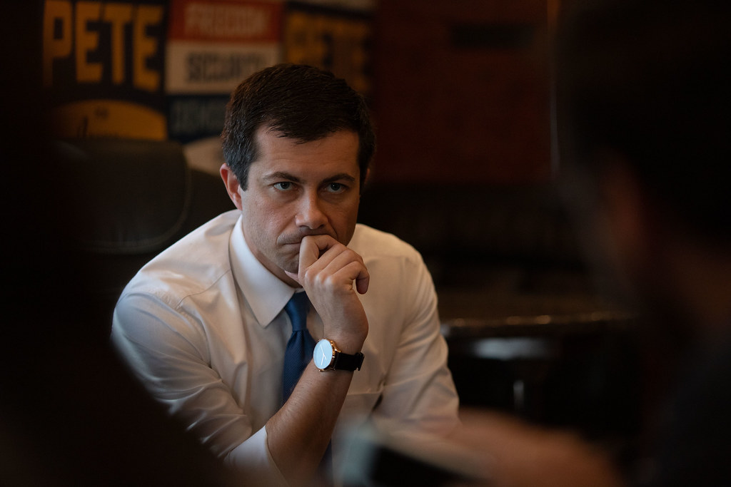 UPDATE 1-Buttigieg surges ahead of Democratic rivals in Iowa -poll