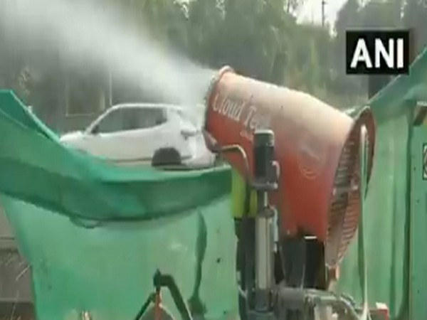 Delhi: Anti-smog guns deployed at large construction sites to control pollution