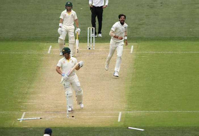 INDvsAUS: Australia makes steady start to reach 57/2 at lunch