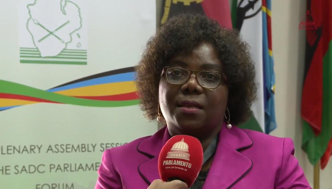 Angola news: MPLA deputy president Luisa Damião assesses Cela hospital
