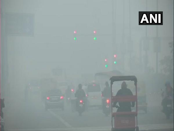 'Moderate' fog in Delhi, minimum temp rises to 14.4 deg C