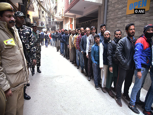 Voting percentage in Delhi improves marginally, goes up to 44.52 pc till 5 pm