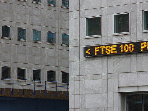 European shares rise in cautious trade, FTSE shines