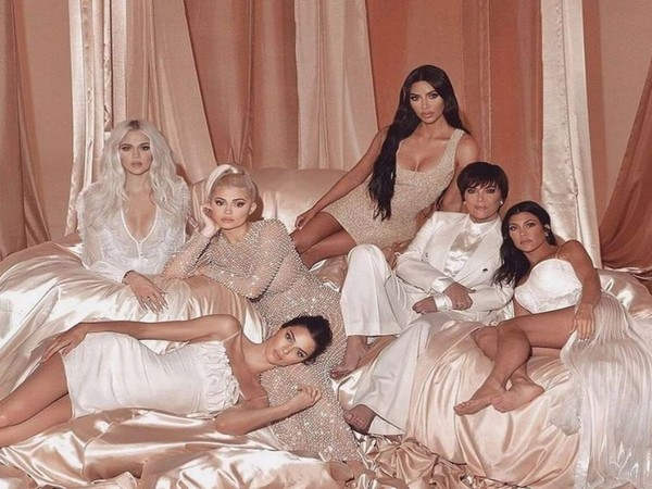 Andy Cohen set to host 'Keeping Up With the Kardashians' reunion