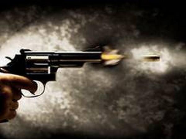 Denver officer shot in the leg; police search for shooter