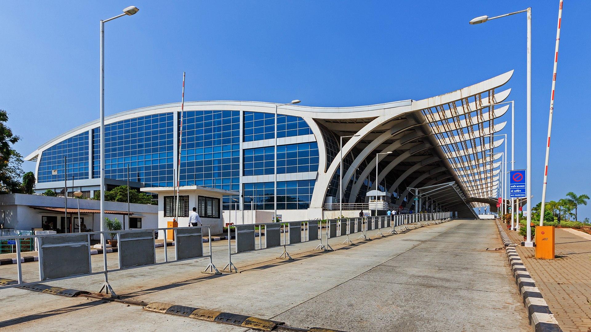 Rail stn-like scene at Goa airport irks authorities, netizens