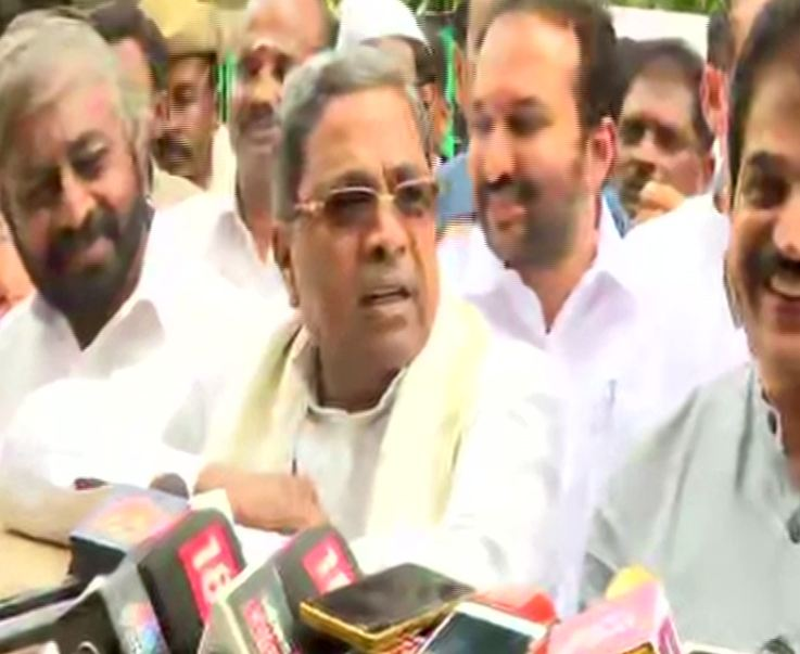 Karnataka crisis: 21 Congress ministers step down voluntarily