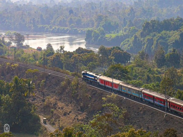 Train carries 550 tonnes of goods from Bhopal to Bangladesh