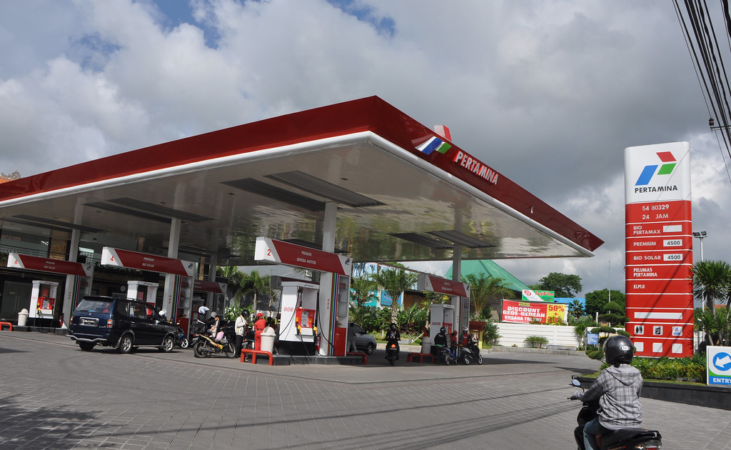 Indonesia's Pertamina says oil spill recovery will take until March 2020