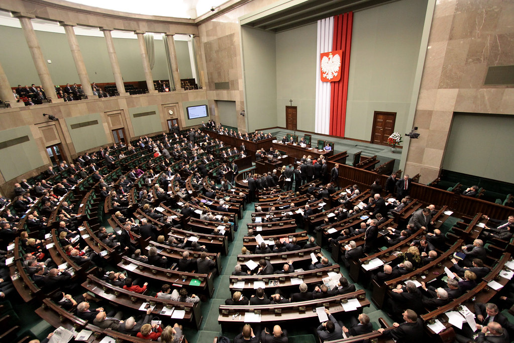 UPDATE 1-Poland's parliament speaker resigns amid private flights scandal