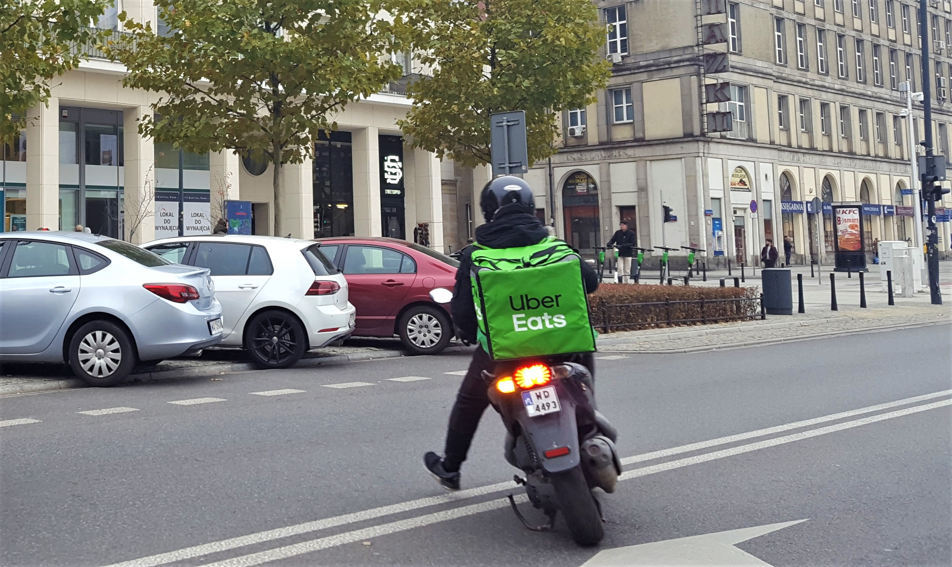 UberEats, Deliveroo workers drive French surge in new companies