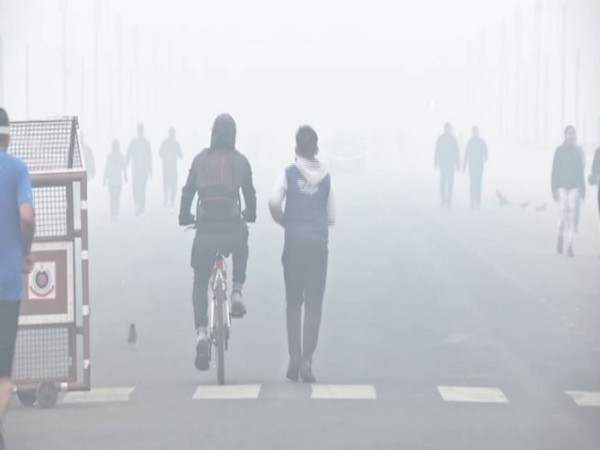 Delhi air 'very poor' as AQI crosses 370 mark