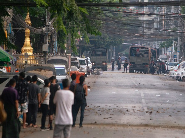 WRAPUP 1-More Myanmar violence reported as activists seek help from ethnic groups
