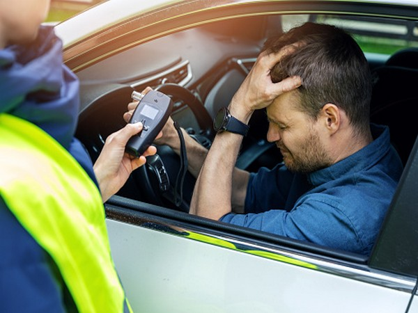Study reveals smartphone breathalyzer alcohol testing devices vary widely in accuracy