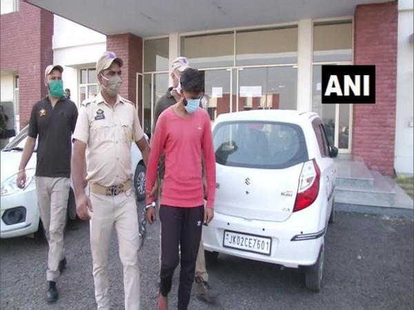 J-K: Police arrests one for spying for Pakistan