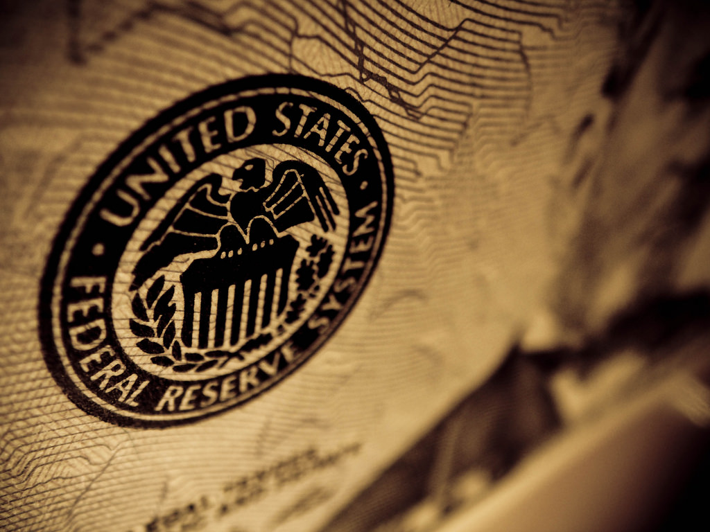 UPDATE 1-Federal Reserve policymakers increasingly divided on way ahead, minutes show
