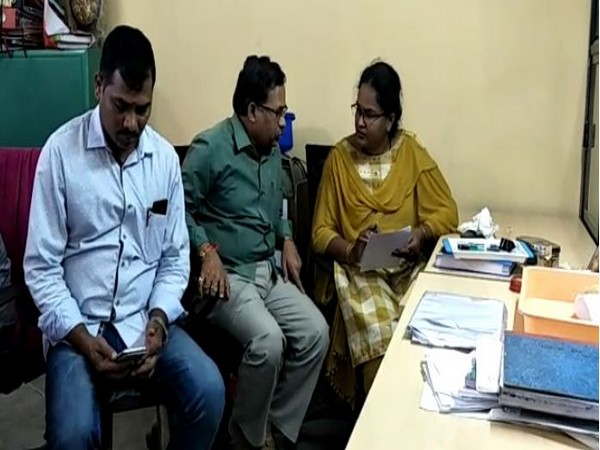Andhra Pradesh ACB conducts surprise raids at sub-registrar office
