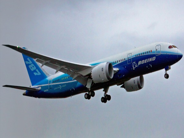 Damage to United Boeing 777 engine consistent with metal fatigue -NTSB