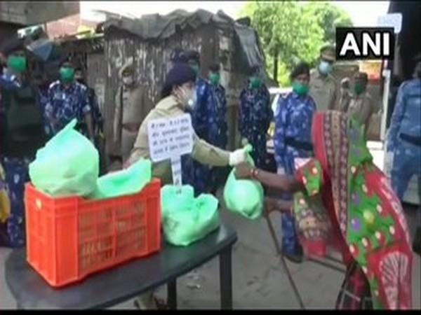 UP: Moradabad Police, RAF jawans help needy residents of city