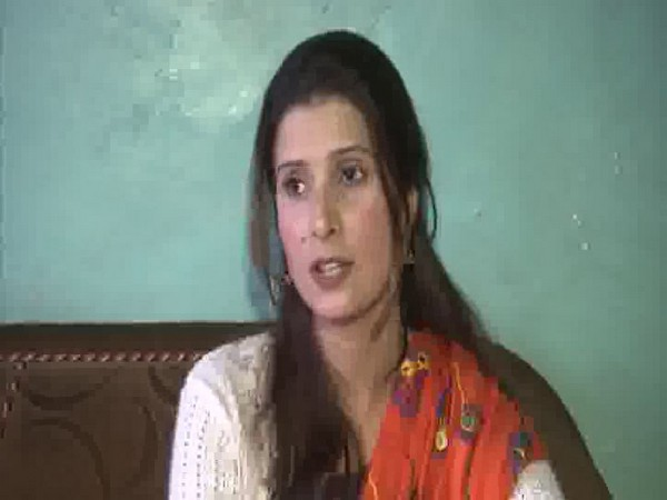 Nelofar Sheikh becomes first Kashmiri woman to act in International film