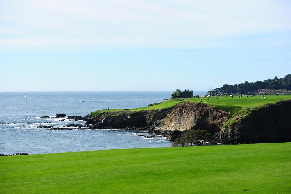 UPDATE 5-Golf-Rose rides hot putter to U.S. Open lead
