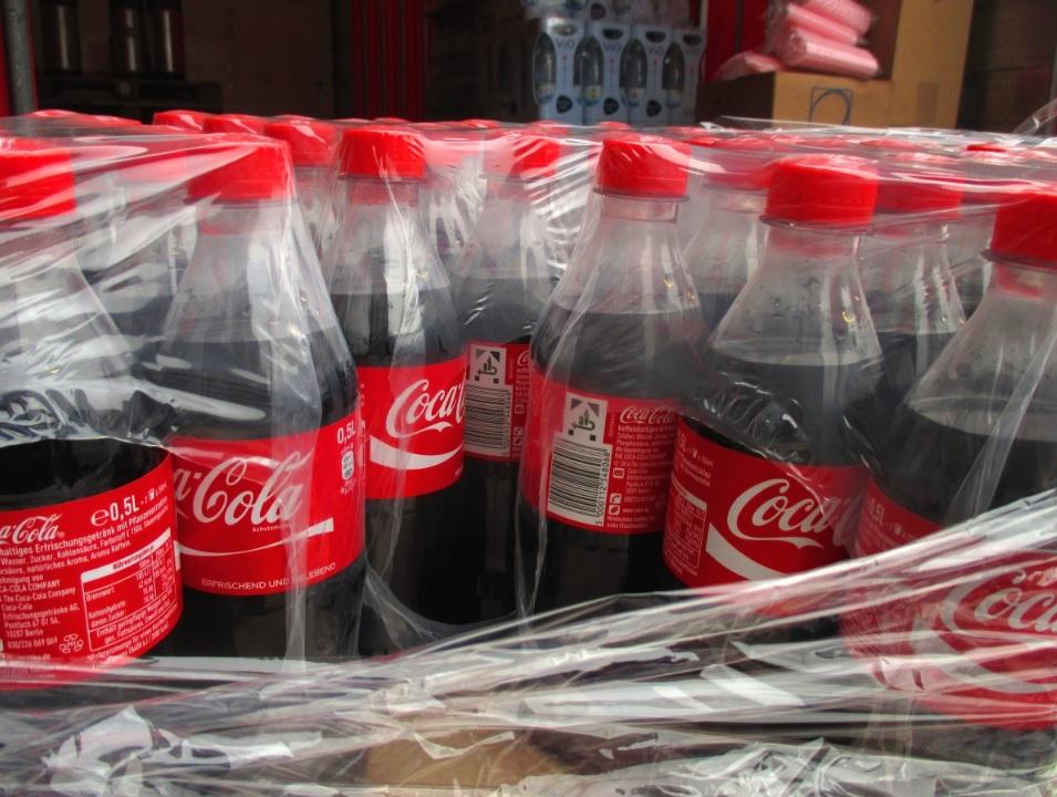 Coca-Cola donates 50 starter biz kits to vendors in Kenya's capital