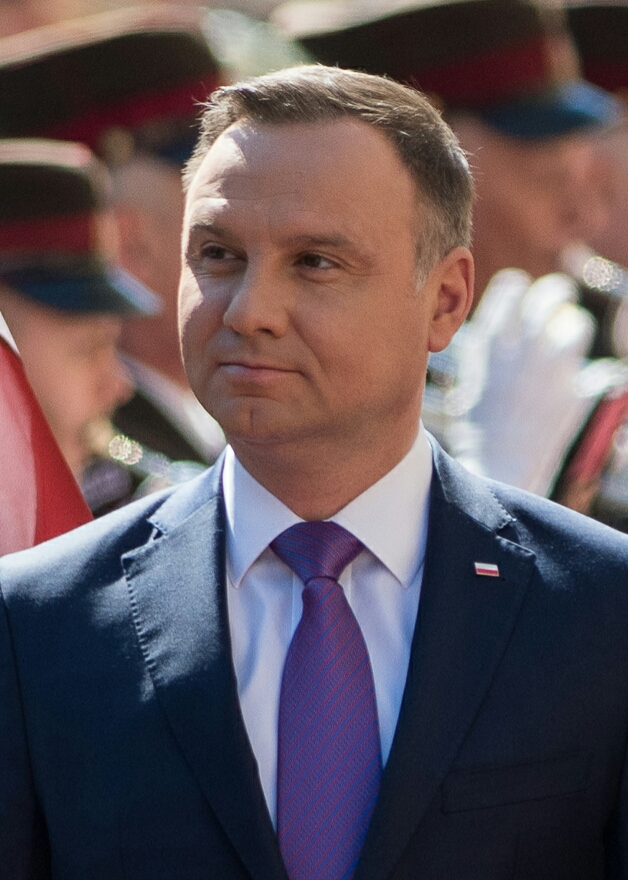 UPDATE 4-U.S. will deploy 1,000 troops to Poland; Warsaw may call them 'Fort Trump'