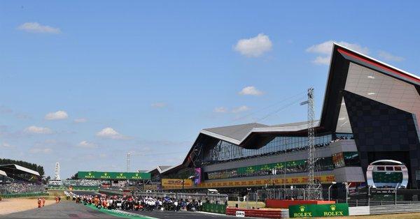 Motor racing-Formula E set for title showdown in New York