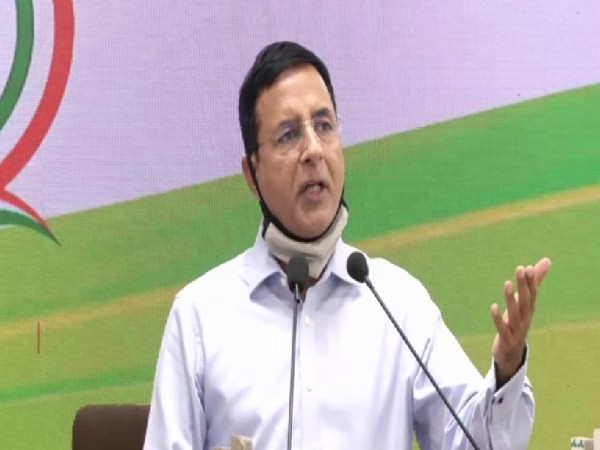 Those commenting on Twitter should stand unitedly behind Cong leadership: Surjewala