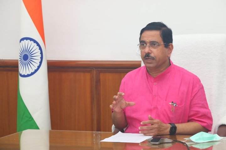Remove bottlenecks, ensure uninterrupted supply to power plants: Coal minister tells Jharkhand CIL arms