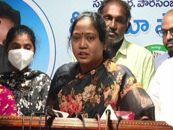 Andhra Home Min slams TDP, says state police working in spirit of Disha Act