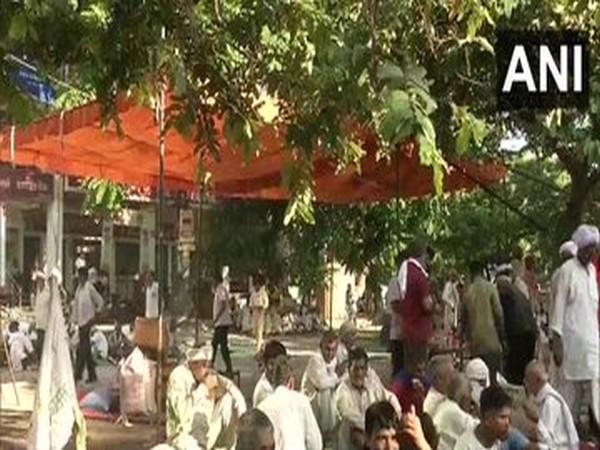 Farmers' stir: Internet, SMS services restored in Haryana's Karnal