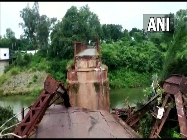 After bridge over Odisha river collapses, driver of truck hanging precariously rescued in 10 hour operation