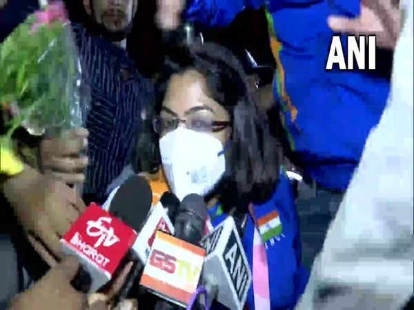 Tokyo Paralympics silver medalist Bhavina Patel receives grand welcome at Ahmedabad airport