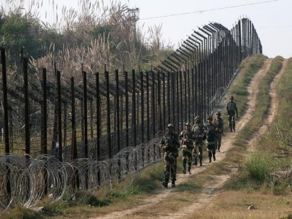 Two BSF personnel injured as Pak violates ceasefire in different sectors in J-K