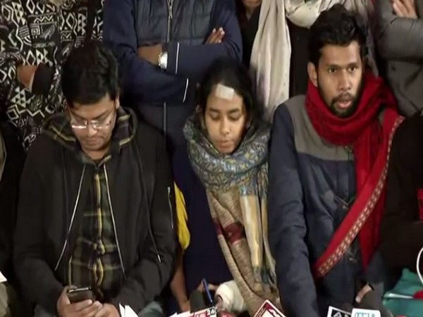 Big Victory for JNUSU, Delhi High Court allows protesting students to follow old hostel manual, waves off late fee