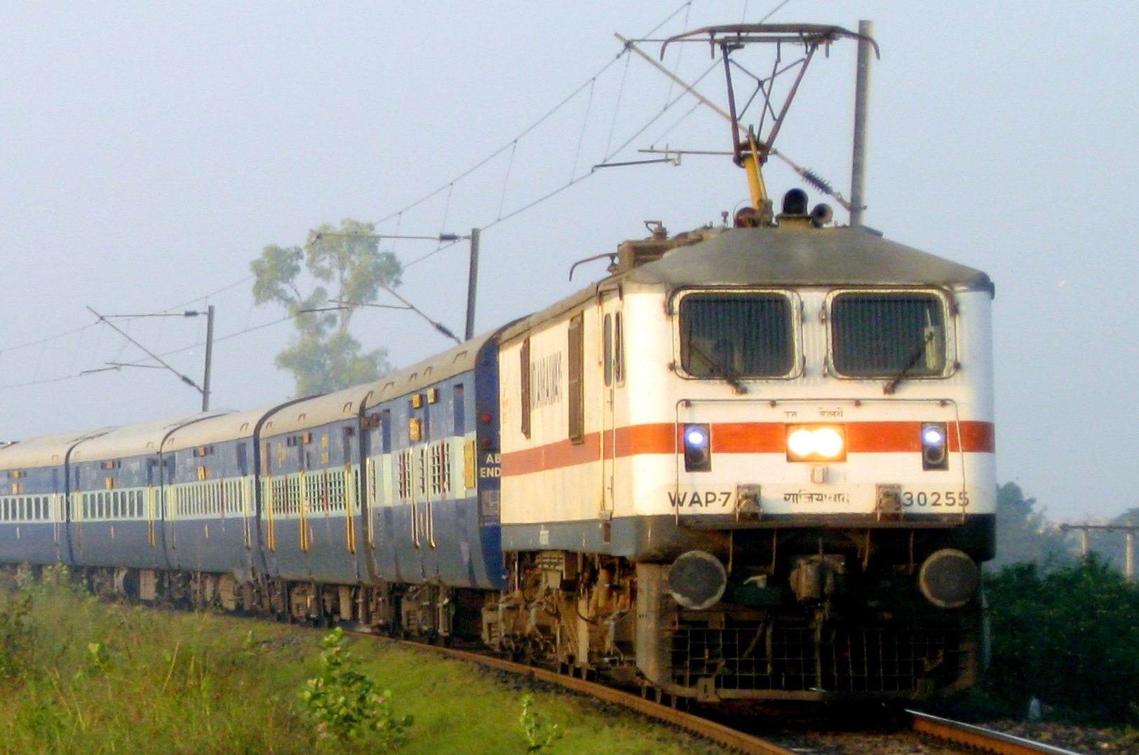 Train held up due to boulder on track near Lonavala