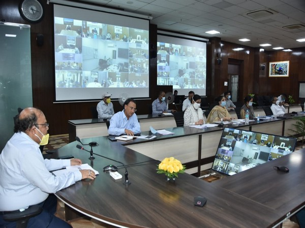 U'khand Chief Secy reviews COVID-19 situation, issues instructions to curb spike in infections