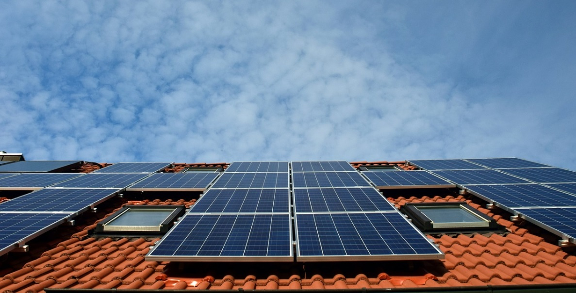 Delhi Police goes green, signs pact to implement rooftop solar energy systems