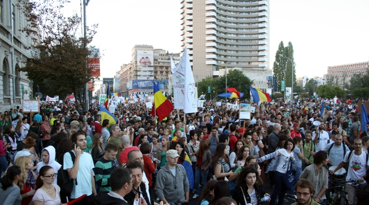 Marchers protest Romania's virus restrictions as cases soar